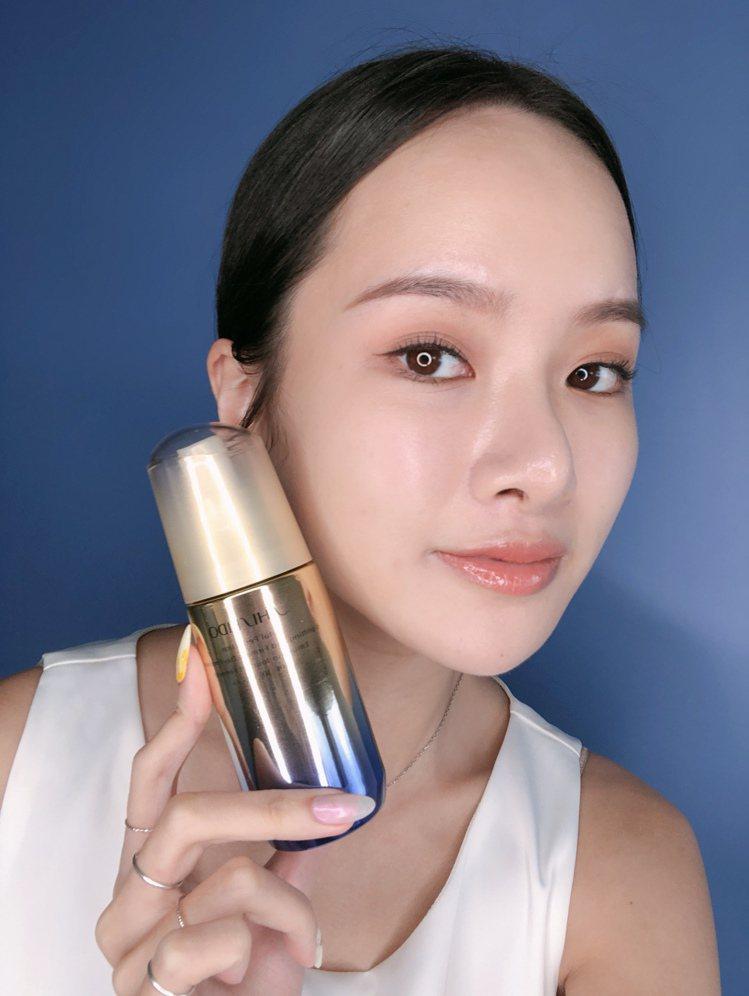 資生堂激抗痕亮采緊緻乳,適合白天妝前使用。圖/資生堂提供