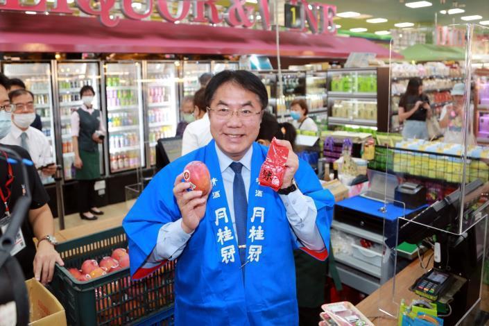 台南市長黃偉哲表示,台南愛文芒果在日本已樹立良好的品牌形象,歡迎日本朋友一起來瘋芒果。圖/台南市政府提供