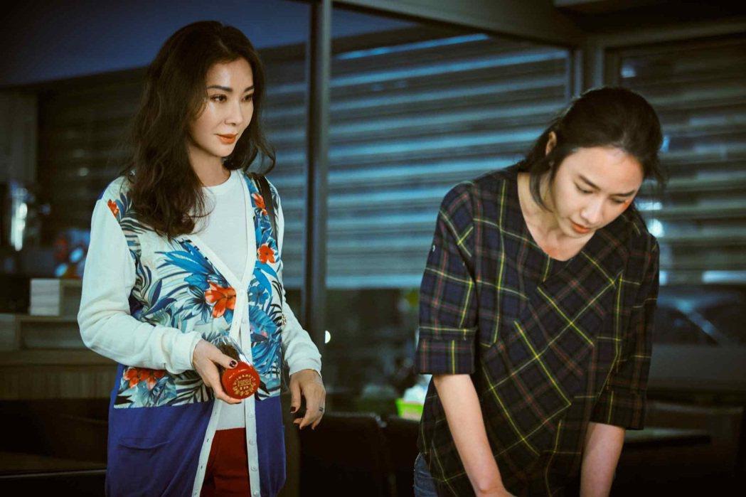 陳美鳳(左)、方宥心在「三春記」中飾演母女。圖/民視提供