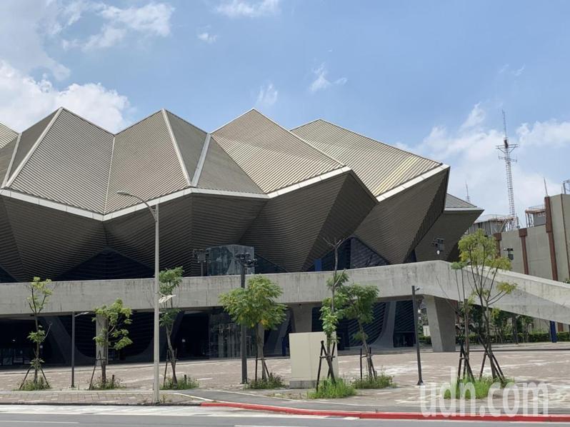 台北流行音樂中心北基地表演廳8月22日將舉辦最後一場滿載壓力測試,3100張網路票不到5分鐘就搶光。記者趙宥寧/攝影