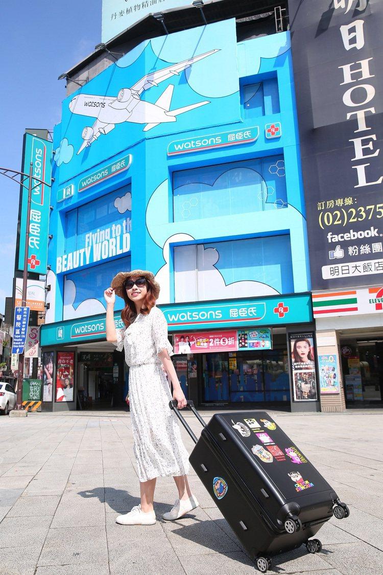 屈臣氏台北西門店變身「屈臣氏國際機場」,讓消費者購物就能體驗偽出國氛圍。圖/屈臣...