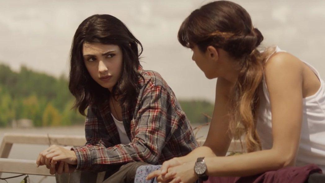 「陰屍路」最新姊妹劇以青少年對抗活屍為主題。圖/摘自YouTube