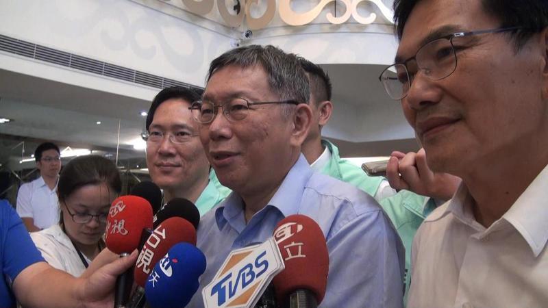 南下高雄為吳益政輔選的民眾黨主席柯文哲,談到李眉蓁論文風暴,只以一個「慘」字形容。記者王昭月/攝影