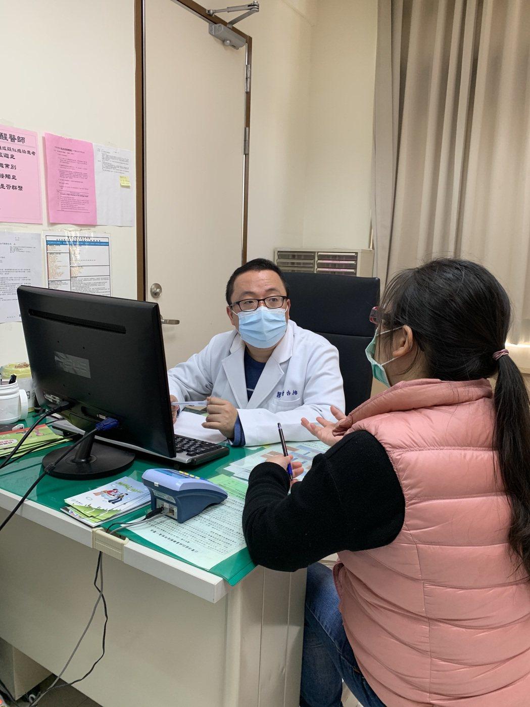 許多人生活中遇到困難,在關鍵時刻求助非常重要,有助於掌握病情。圖/聯合報系資料照...