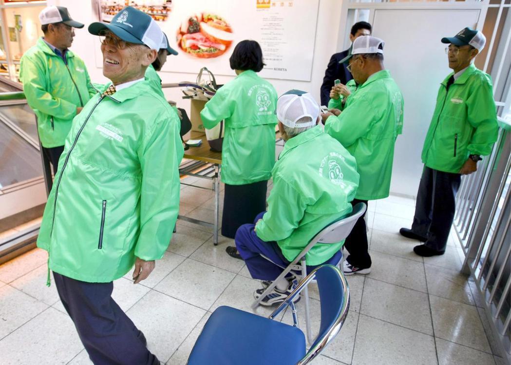 日本知名家電量販店「野島」日前宣布,正式將員工的退休年齡從六十五歲推遲至八十歲。...