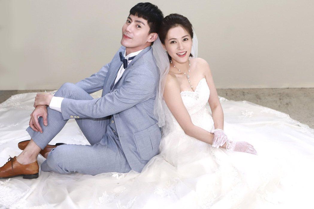 蘇晏霈(右)、王凱在「多情城市」中結婚。圖/民視提供