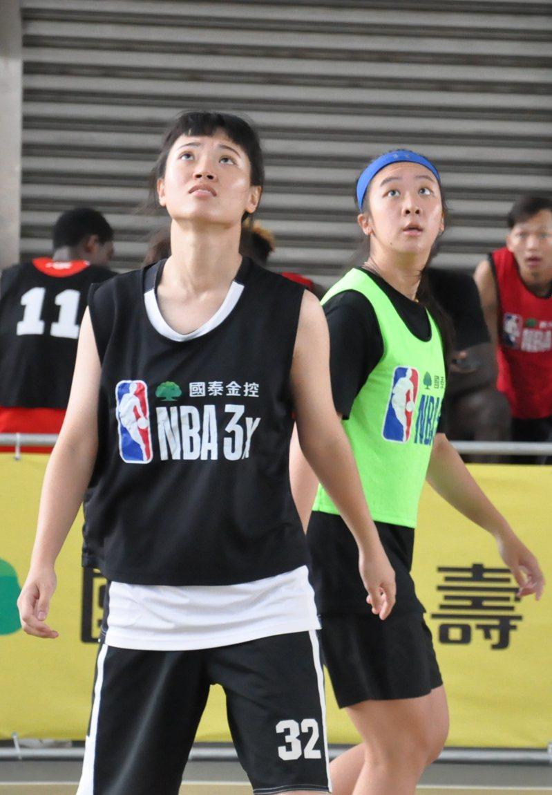 管婕耘(右)連兩年參賽,順利取得總決賽門票。記者曾思儒/攝影