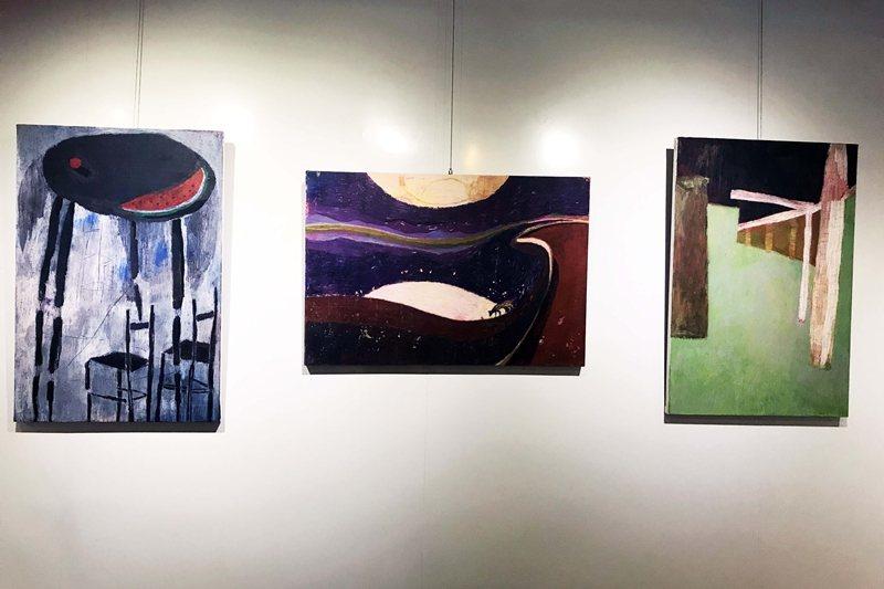 阿尼默展覽畫作「西瓜」、「夜晚」、「二丁掛」(由左至右)。 圖/作者提供
