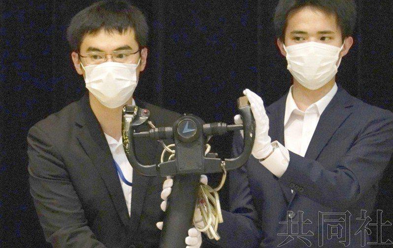 本月26日日本防衛省首度拍賣自衛隊用不到的裝備。圖擷自共同社