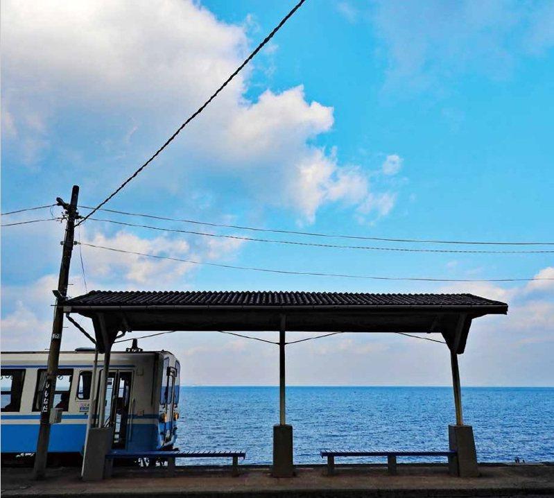 下灘車站:愛媛縣.予讚線。圖/健行文化提供