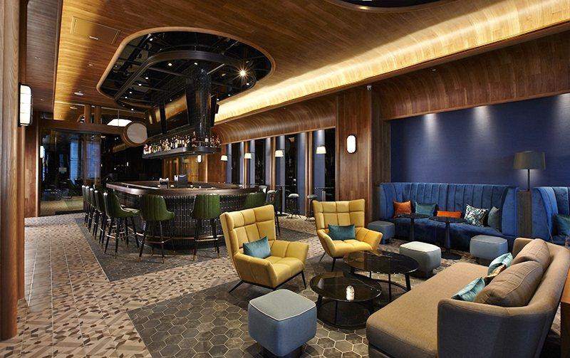 船艙造型為賣點的時尚風酒吧「Blu Bar」。 業者/提供