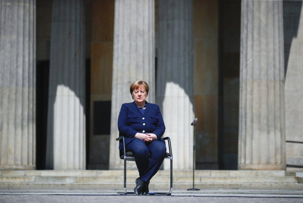 「我們本來就無力和那兩個超級強權作對。德國能做的選擇只是——到底要讓自己更受哪一...