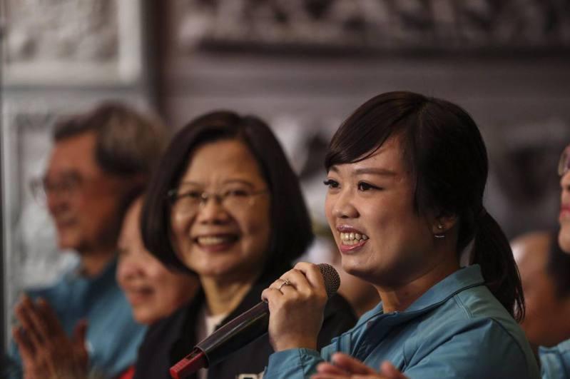 前立委呂孫綾(左)重返政壇,擔任民進黨主席蔡英文特助。圖/本報資料照片
