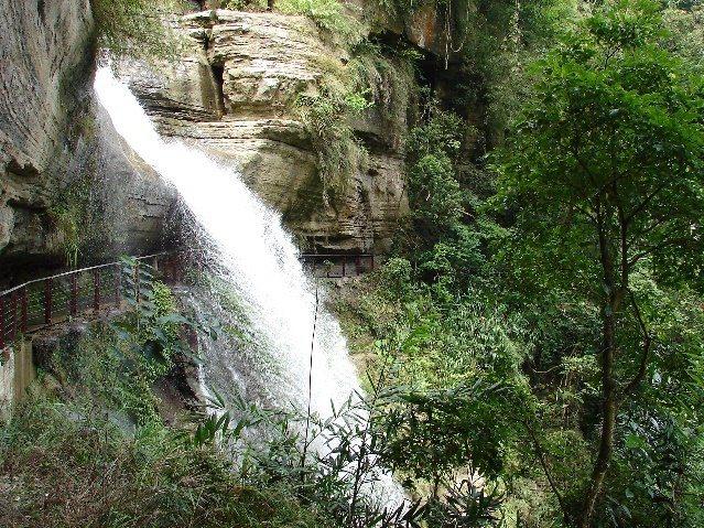 龍宮瀑布是全台前十大負離子最多瀑布。 圖/縣府文觀局提供