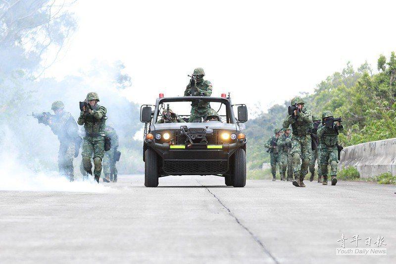 在戰線高度流動、作戰地形複雜且需要快速反應的多目標高強度作戰中,需要一支具獨立作戰能力和分散作戰彈性的部隊方能應付。 圖/青年日報