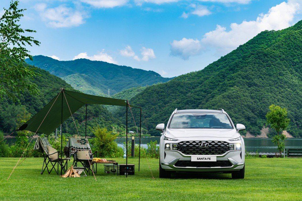 問世至今20年的Hyundai Santa Fe,在今年七月初正式發表了第四代車...