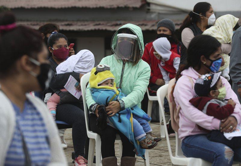 秘魯當局表示,從今年3月中旬實施新冠肺炎防疫封鎖措施後,截至6月底已有超過900名少女及婦人被通報失蹤,這些女性恐遭遇不測。 美聯社