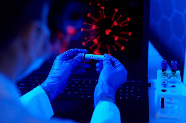 美國國家過敏與傳染病研究院(NIAID)院長佛奇今天表示,一旦疫苗問世,官員必須...