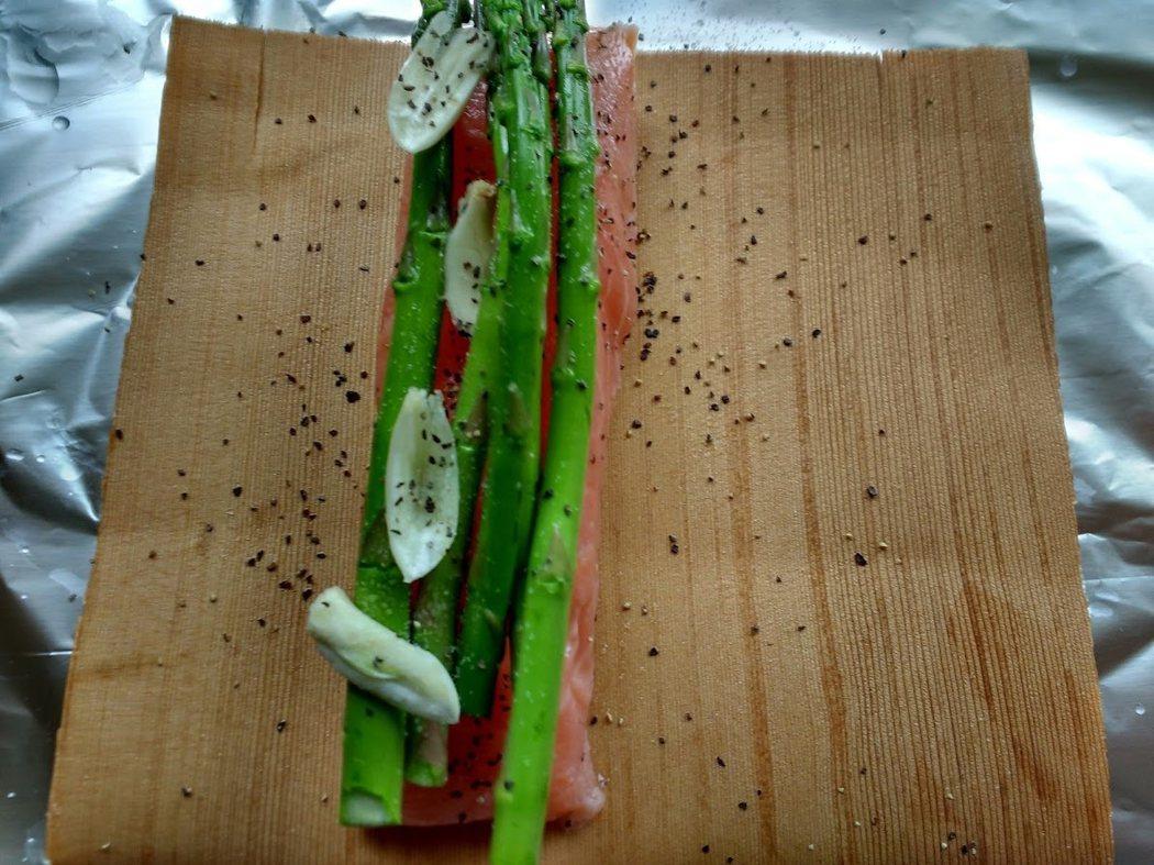 食譜/雪松木包烤深海鮭魚