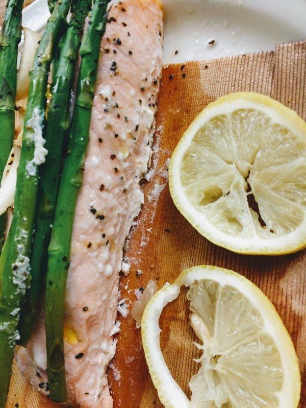 圖文:美國番媽/食譜/雪松木包烤深海鮭魚