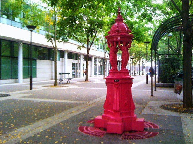 著名的 wallace噴泉 因為有很多顏色很適合收集  / 來源: parisladouce