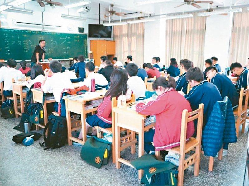 高中職續招,今年212校共提供1萬8千多個名額。圖/聯合報系資料照片