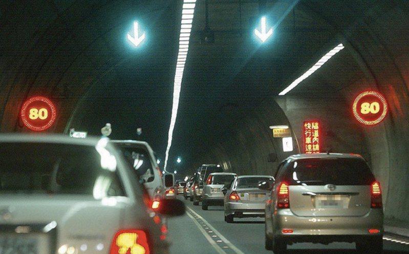 交通部公路總局說還有737萬輛未繳納氣燃費。聯合報系資料照