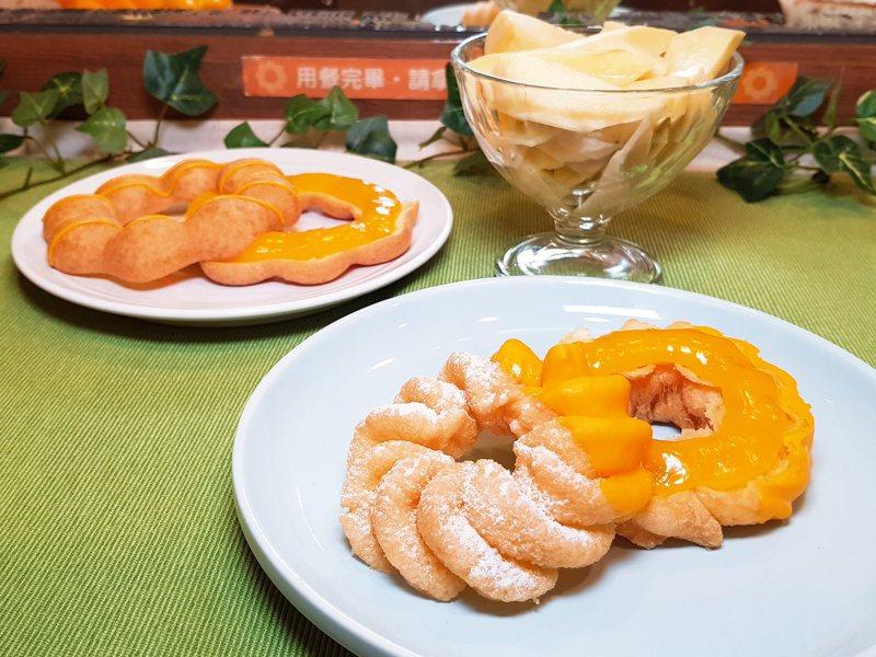 「芒果情人波堤」、「芒果情人法蘭奇」內餡是將愛文芒果醬搭配半熟土芒果,單個均為45元。記者陳睿中/攝影