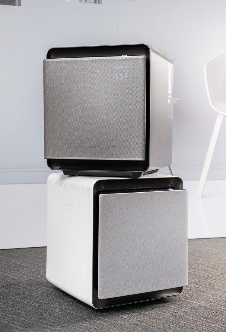 Samsung Cube無風智慧清淨機的彈性模組化設計,可將兩台清淨機堆疊或分配...