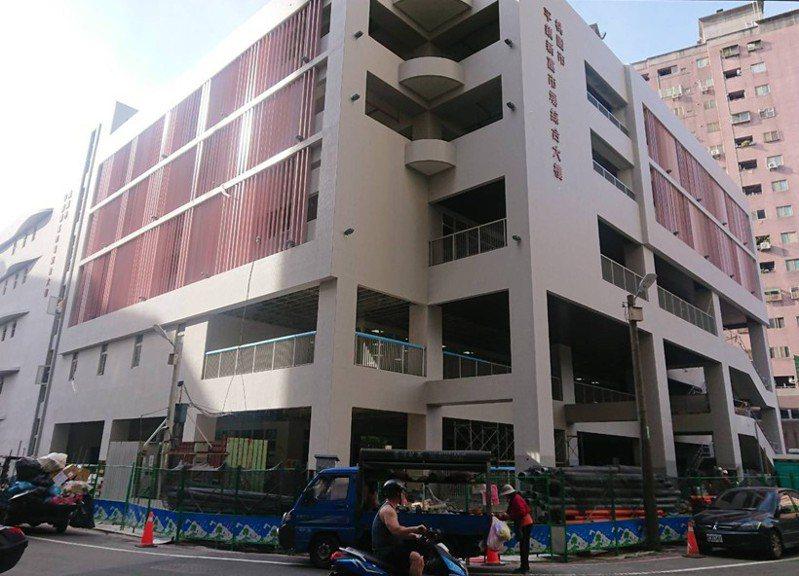 新富市場大樓採綠建築設計。圖/桃園市政府新聞處提供