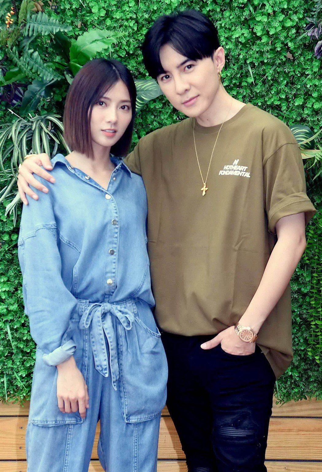 唐禹哲(右)、蔡黃汝主演「我的青春沒在怕」將於華視播出。圖/華視提供