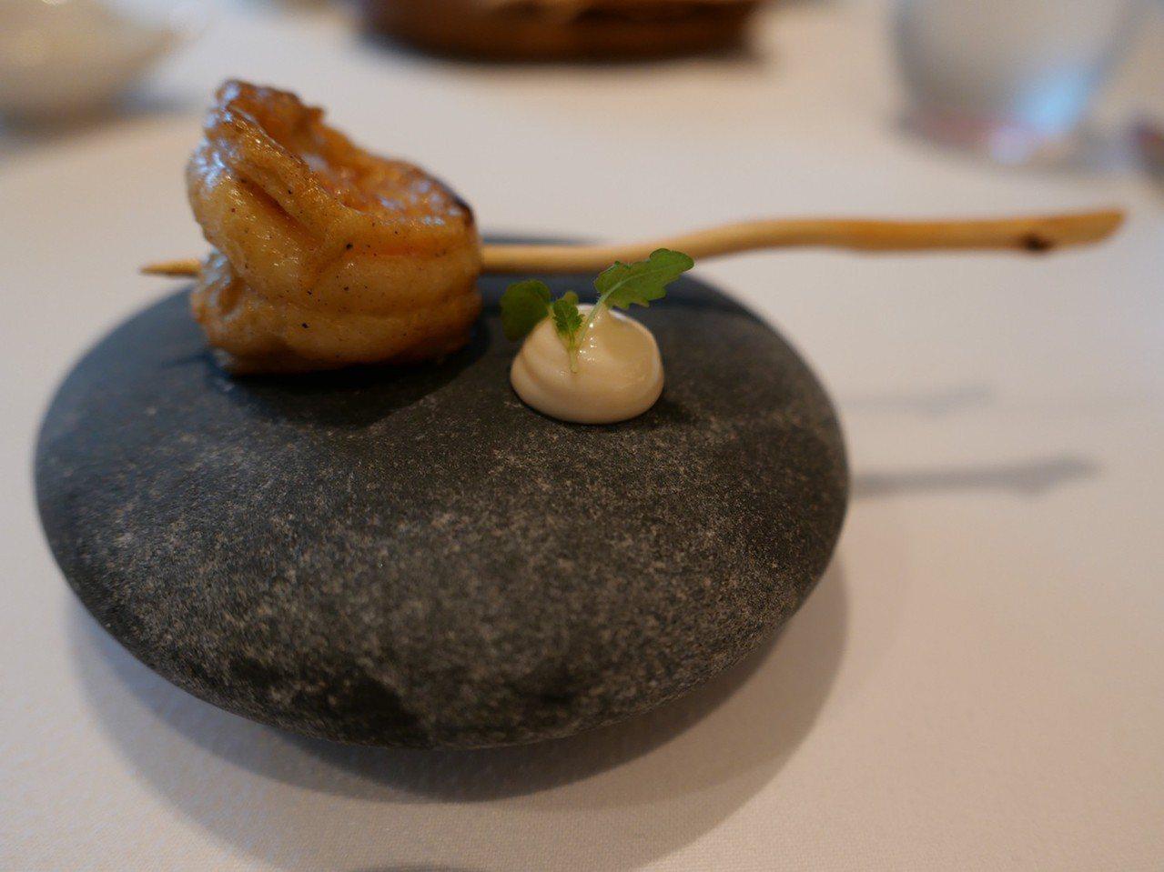 澎湖野生明蝦,西餐形台灣味。 圖/蕭涵攝影