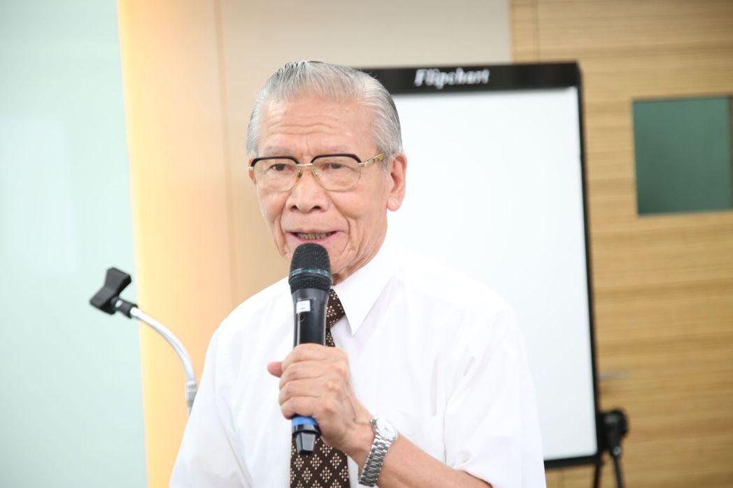 藥物品質協會理事長鍾柄泓點出秤量在製藥業所扮演的重要關鍵角色。