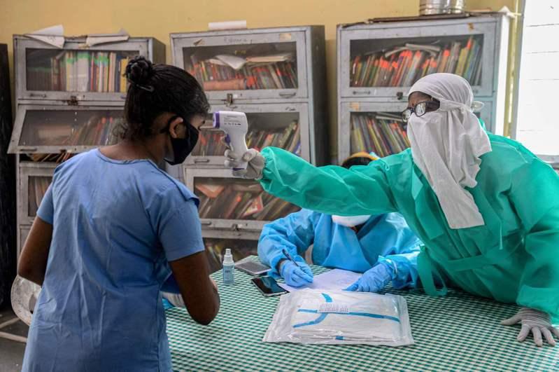 印度全國已有逾150萬人確診2019冠狀病毒疾病(COVID-19),其中近3萬5000人病歿。 法新社