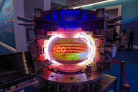 熱核融合反應爐實驗擁有全球規模最大的投資國群族,低污染、永續發展能源利用的初衷雖佳,但要真的運用到商業或工業上,最快還得等到2035年。(photo from Wikimedia)