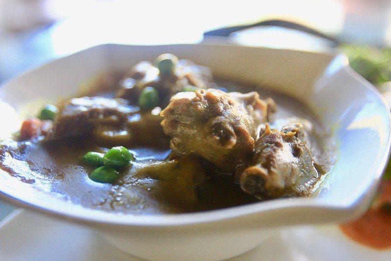 綠咖哩雞肉飯