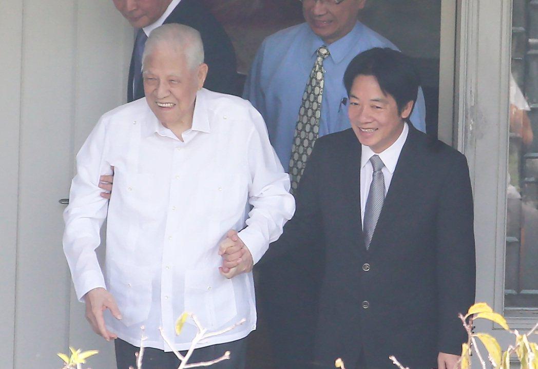 副總統賴清德(右)前總統李登輝(左)。 圖/聯合報系資料照片