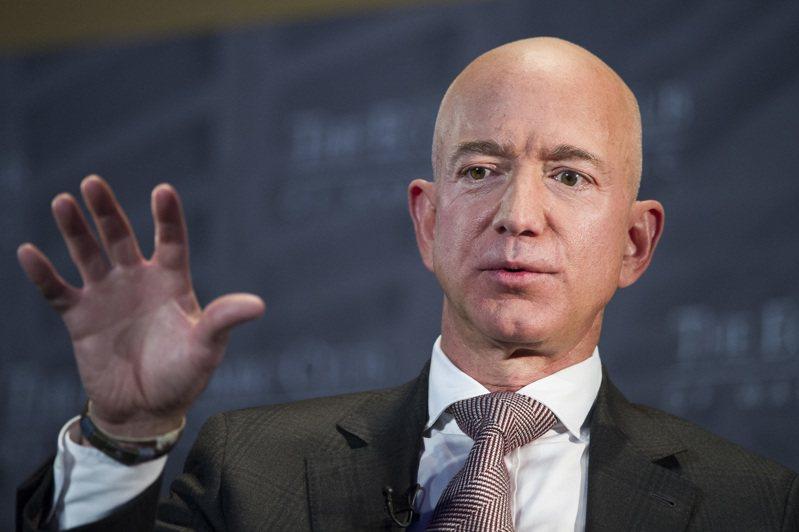 貝佐斯29日出席美國眾院反壟斷小組委員會,將談亞馬遜創造就業、嘉惠第三方賣家、幫股東賺錢,並凸顯個人背景。美聯社