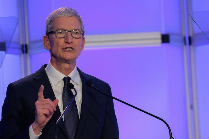 蘋果CEO庫克宣布員工可在家工作至少至明年。路透資料照片