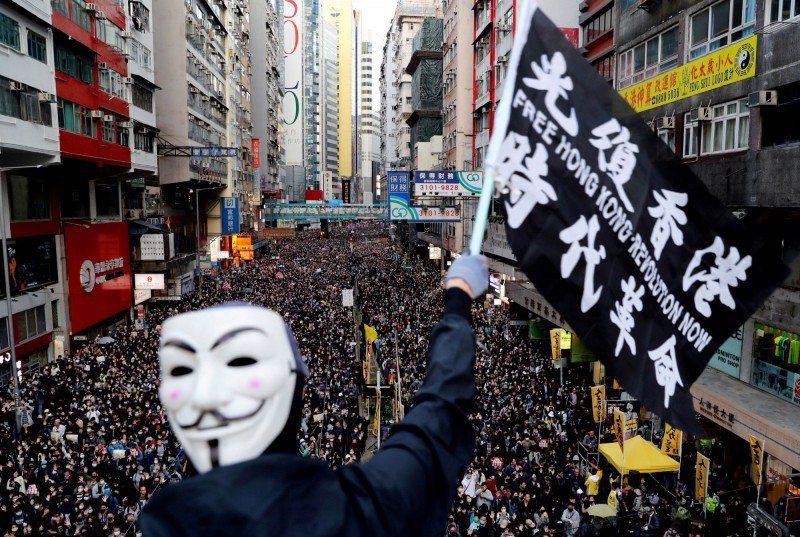 前香港眾志常委羅冠聰認為,這次立法會選舉,是國際局勢一觸即發的炸彈。路透資料照片