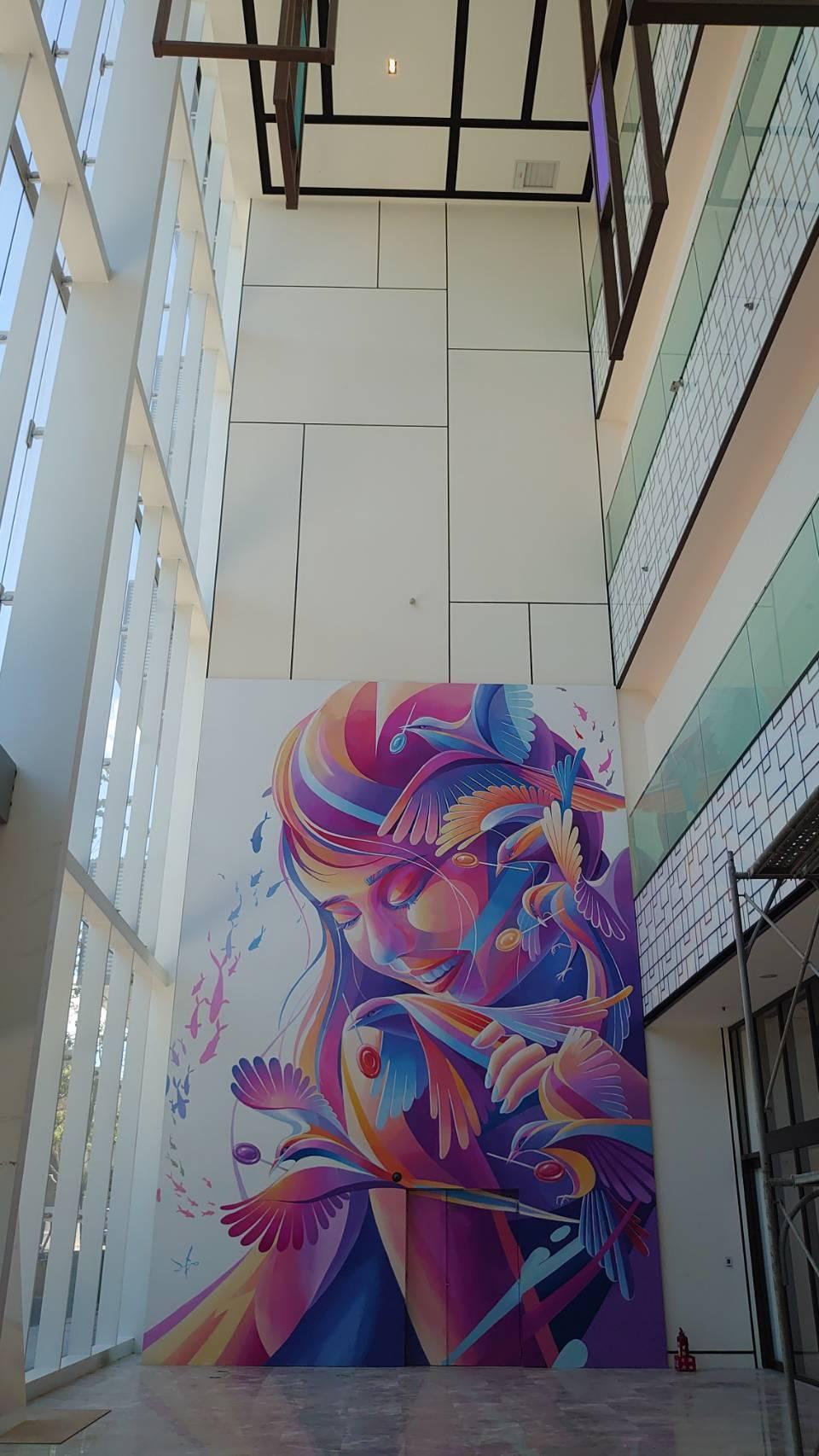 宏匯廣場一樓北大門展出台灣當代壁畫彩繪藝術家LeHo的「夢之巢Dream Nes...