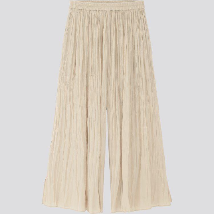 細褶系列水洗設計褲裙990元。圖/UNIQLO提供