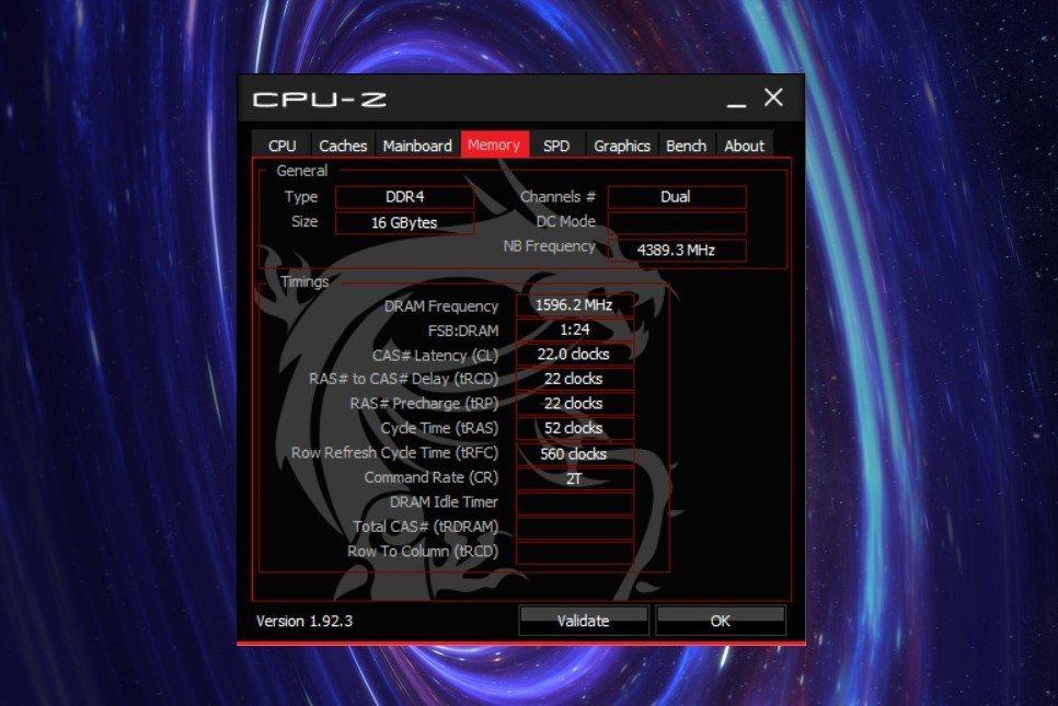記憶體為16GB(8GBx2)DDR4-3200可升級至64GB。 彭子豪/...