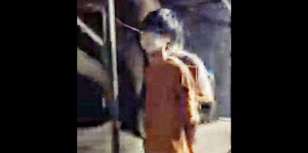 「港警國家安全處」週三無預警發動多起突襲,並以「分裂國家罪」同步逮捕了4名16~...