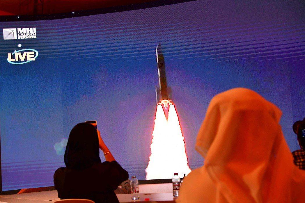 明年當阿瑪爾抵達火星軌道之際,正好彰顯大公國獨立50周年的榮耀時刻。 圖/法新社