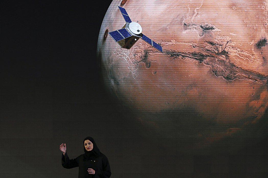 火星計畫的副手兼首席科學家阿米里(Sarah Amiri),可說是阿拉伯世界女性賦權的代表性人物。 圖/美聯社