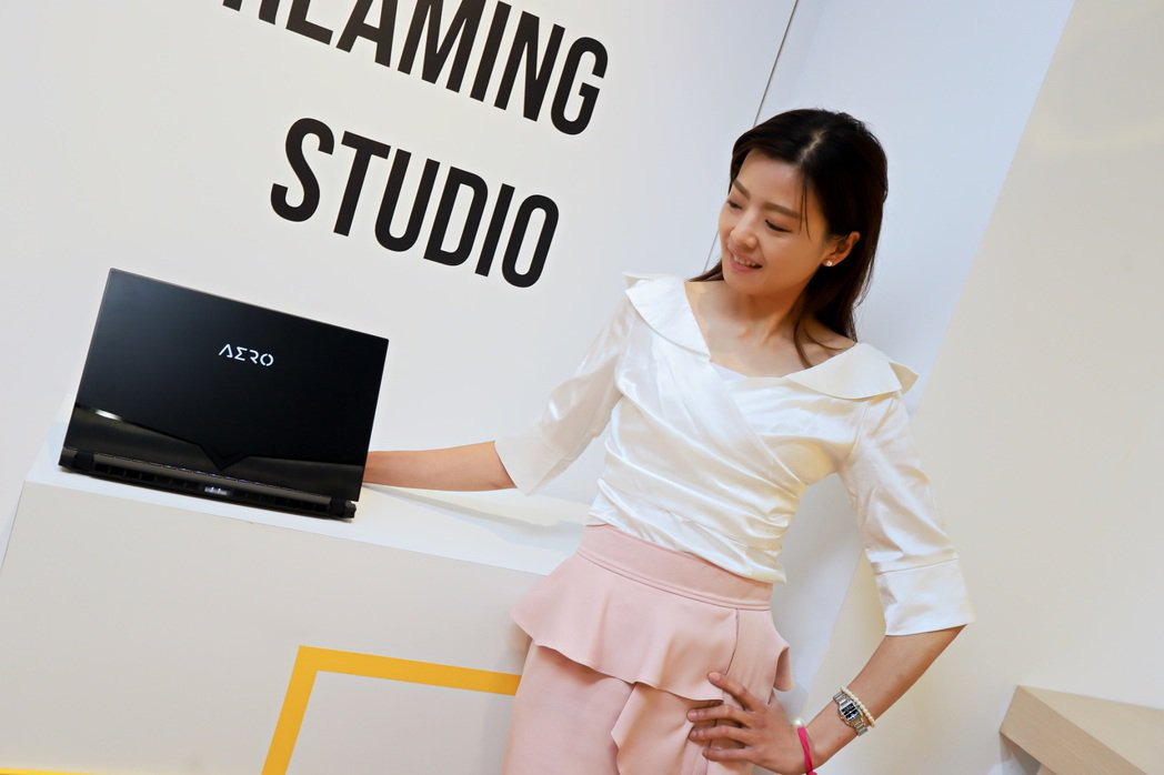 AERO 15 OLED可稱市場唯一斜槓筆電,值得向讀者推薦。彭子豪/攝影