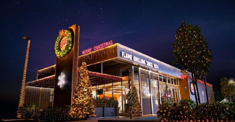 美國漢堡王提早慶祝聖誕節,希望能盡快結束2020年。圖擷自CBR