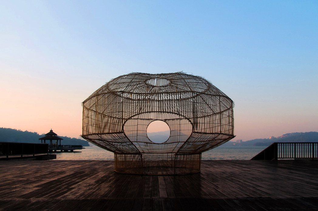 2018年期間限定裝置於日月潭伊達邵碼頭上的《筌屋》,所使用的技法源自於邵族捕魚...