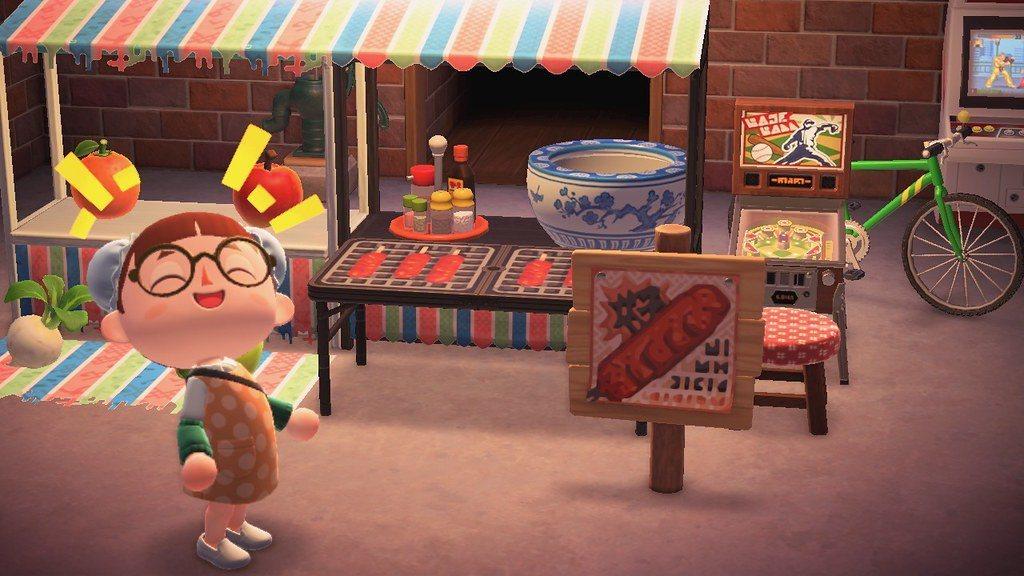 戶外桌的桌面可以改造,有些玩家拿來做成霜淇淋攤,在我們臺灣,當然是烤香腸!
